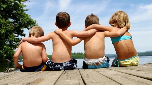 www-wallpapere-eu-summer_friends